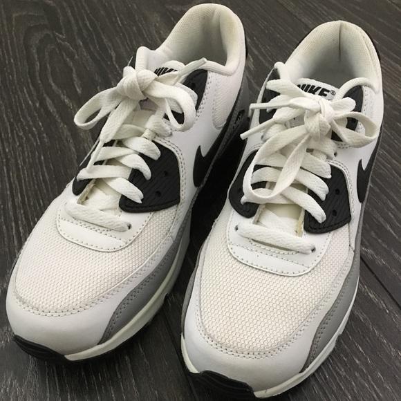 Nike Air Max 90's (sz 6.5 men's 8 women's)